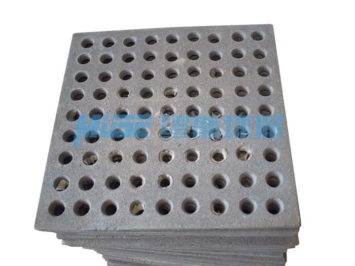 Wear-resistant sand leakage board